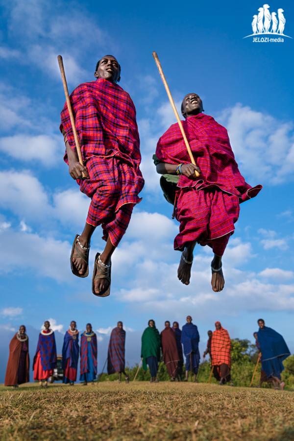 springende Massai - Afrika, Tansania - JELOZI