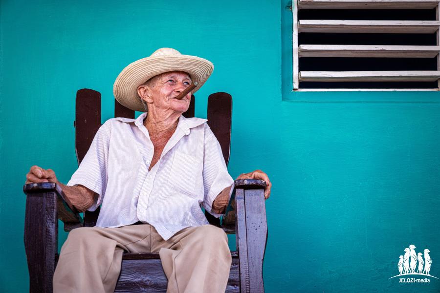 Kubaner mit Zigarre - Kuba - JELOZI