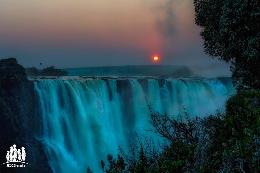 Sonnenaufgang Victoria Falls - Afrika, Simbabwe - JELOZI