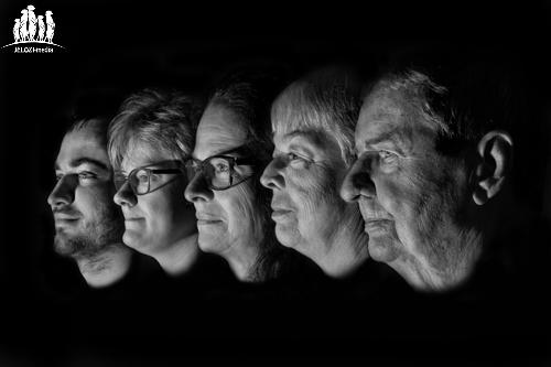 fotografie-jelozi-fotoshooting-familie-portraitfotografie-portrait-familie-schwarzweiss